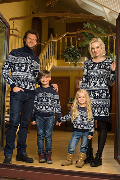 cb63f674079a Снегопад одинаковая одежда в стиле family look  Снегопад